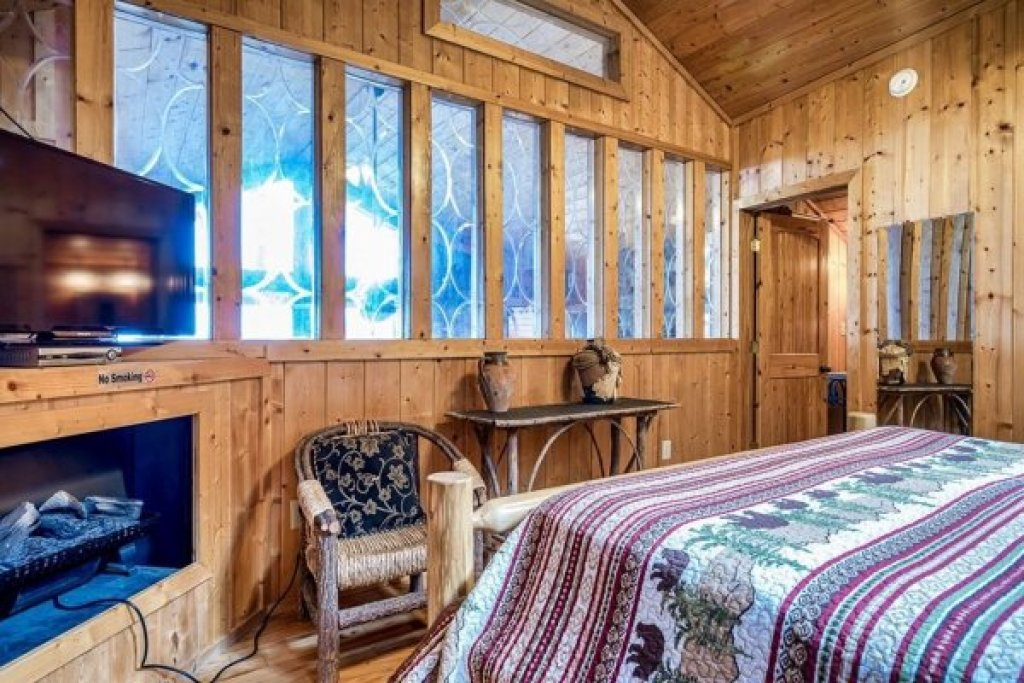 Photo of a Sevierville Cabin named A Stunning View - This is the forty-eighth photo in the set.