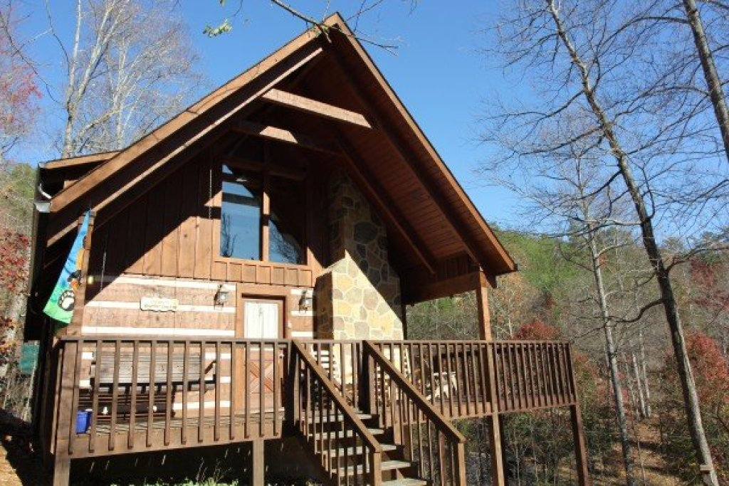 Photo of a Sevierville Cabin named Bearfoot Crossing - This is the nineteenth photo in the set.