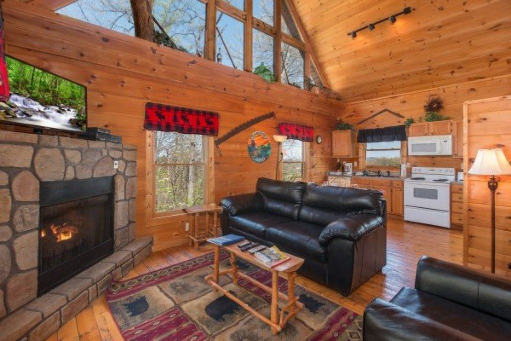 Photo of a Gatlinburg Cabin named Lumber Jack Lodge - This is the third photo in the set.