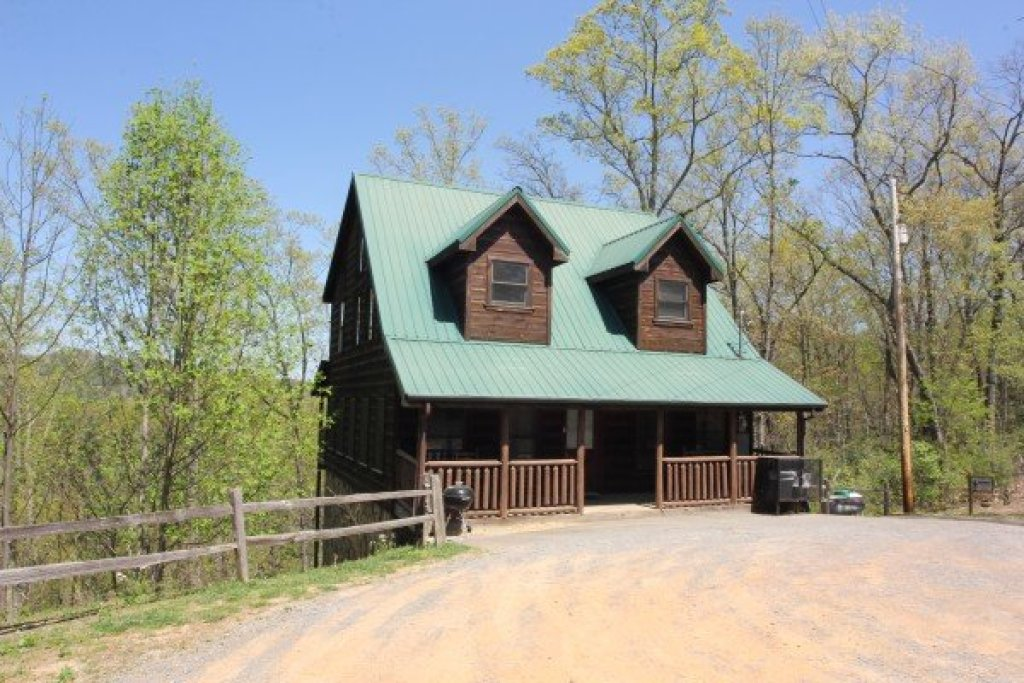 Photo of a Gatlinburg Cabin named Moonshine Memories - This is the eighteenth photo in the set.