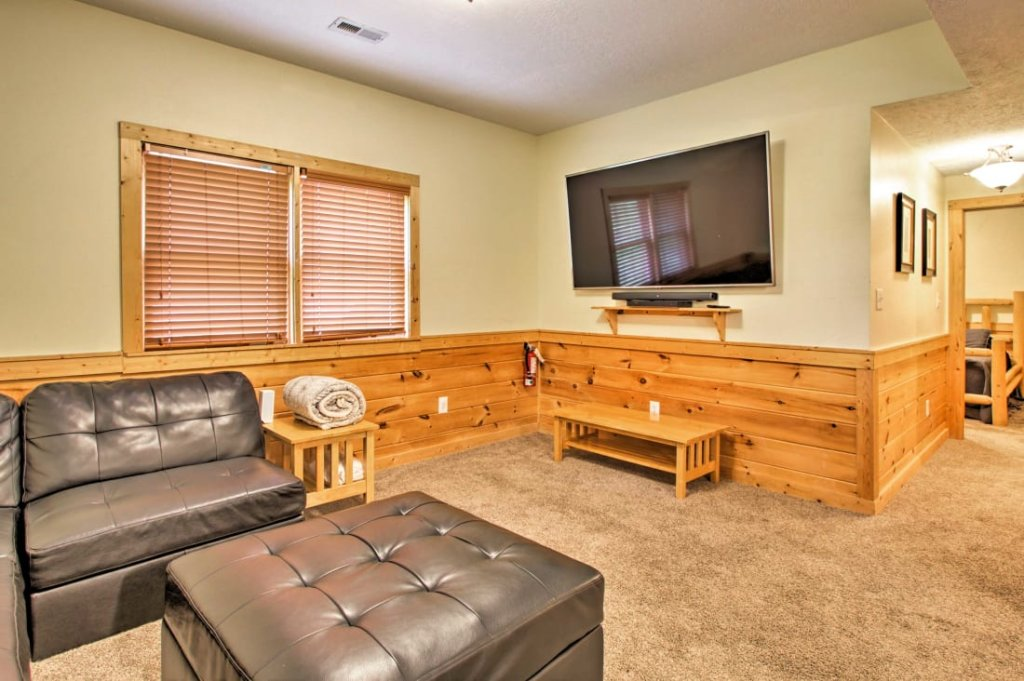 Photo of a Pigeon Forge Cabin named Mountaintop Manor - This is the twenty-second photo in the set.