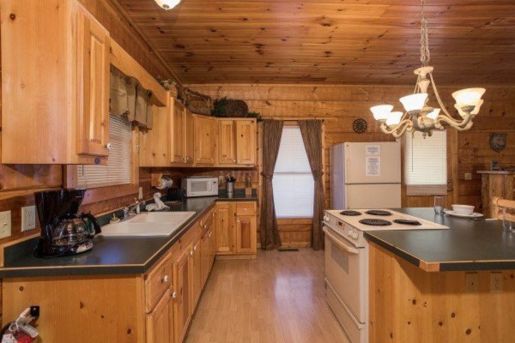Photo of a Pigeon Forge Cabin named Mountain Magic - This is the seventh photo in the set.