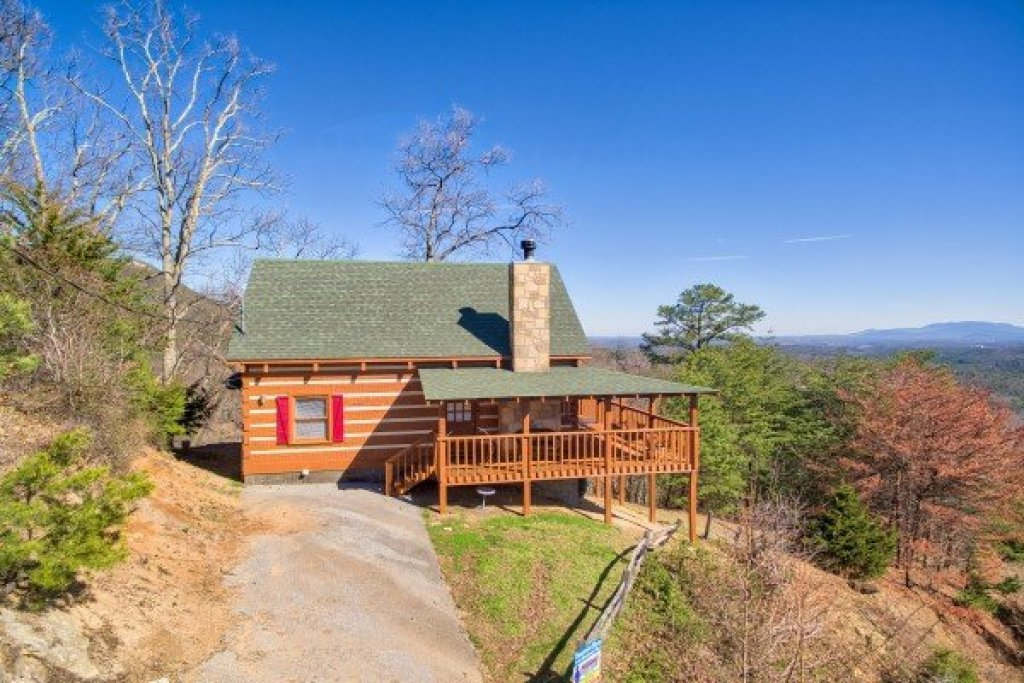Photo of a Sevierville Cabin named Mountain Glory - This is the twenty-fifth photo in the set.