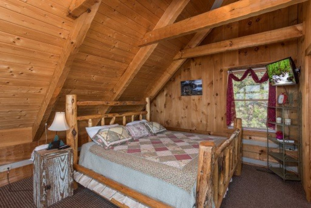 Photo of a Sevierville Cabin named Mountain Glory - This is the twenty-first photo in the set.