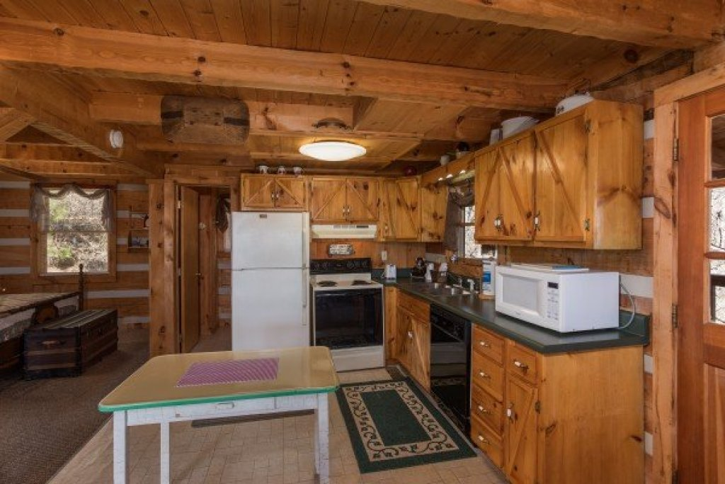 Photo of a Sevierville Cabin named Mountain Glory - This is the tenth photo in the set.