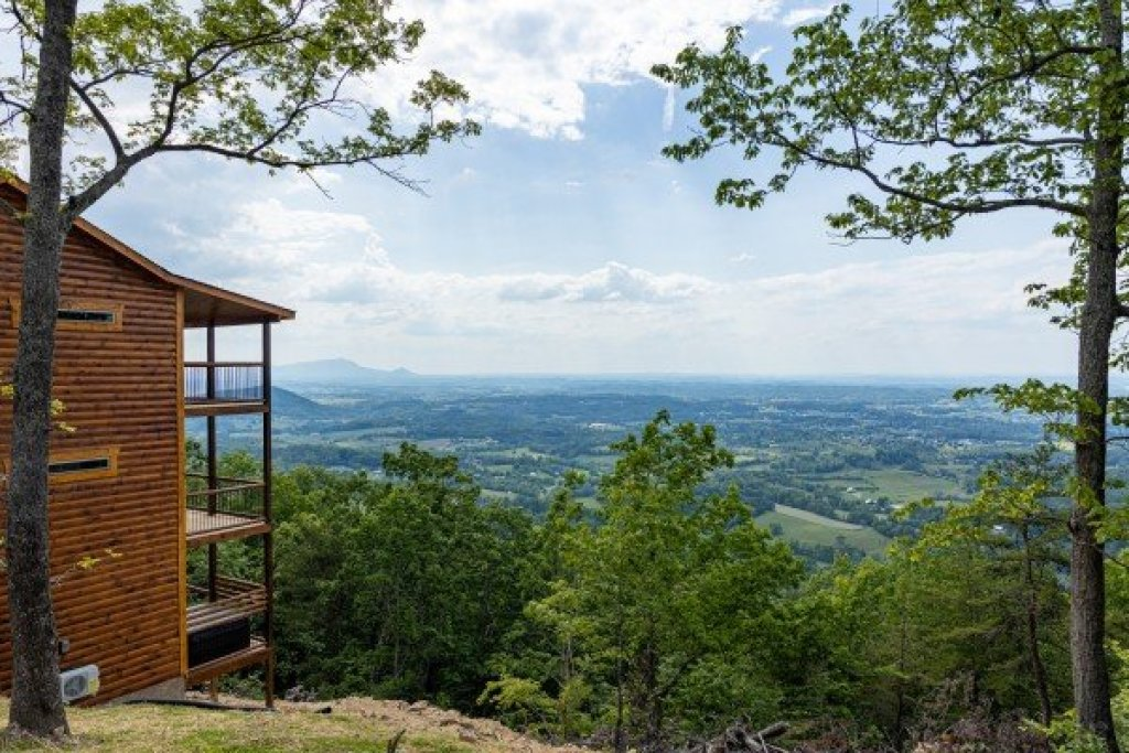 Photo of a Sevierville Cabin named 4 States View - This is the twenty-seventh photo in the set.