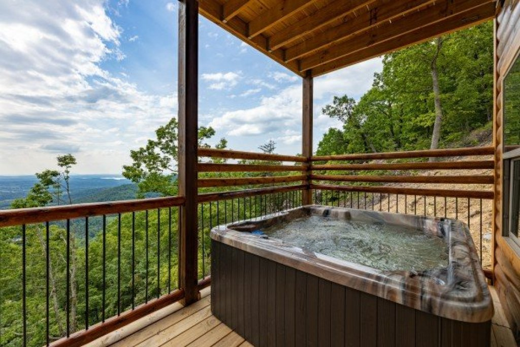 Photo of a Sevierville Cabin named 4 States View - This is the twenty-first photo in the set.