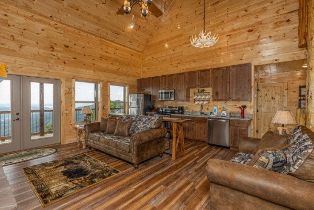 Photo of a Sevierville Cabin named 4 States View - This is the sixth photo in the set.