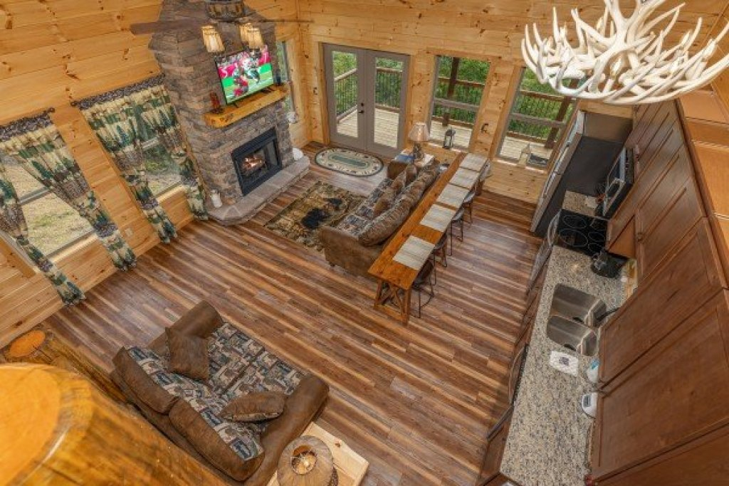 Photo of a Sevierville Cabin named 4 States View - This is the fourth photo in the set.