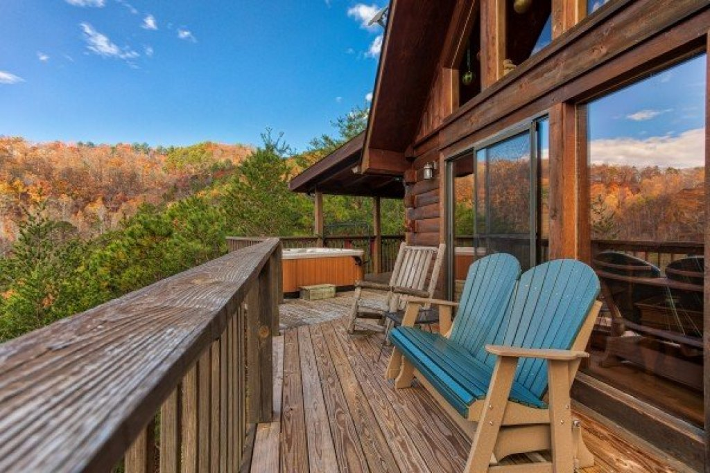 Photo of a Sevierville Cabin named R & R Hideaway - This is the twelfth photo in the set.