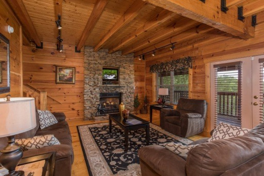 Photo of a Pigeon Forge Cabin named Pigeon Forge View - This is the fourth photo in the set.