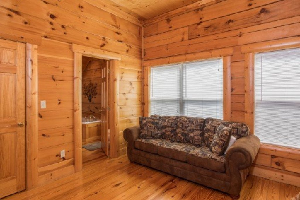 Photo of a Pigeon Forge Cabin named Pigeon Forge View - This is the twenty-second photo in the set.