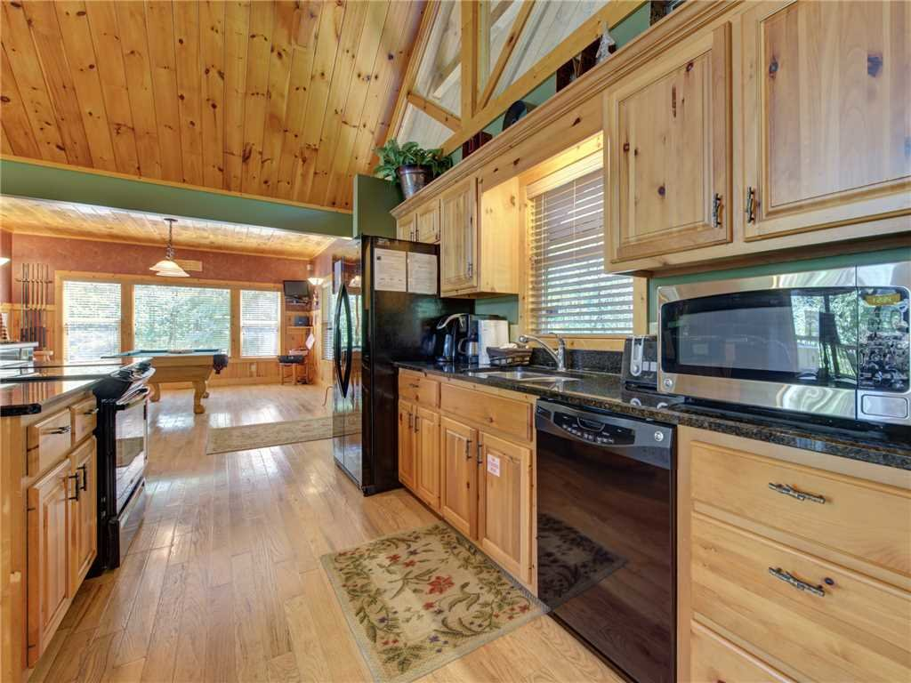 Photo of a Sevierville Cabin named Riversound Romance - This is the sixth photo in the set.