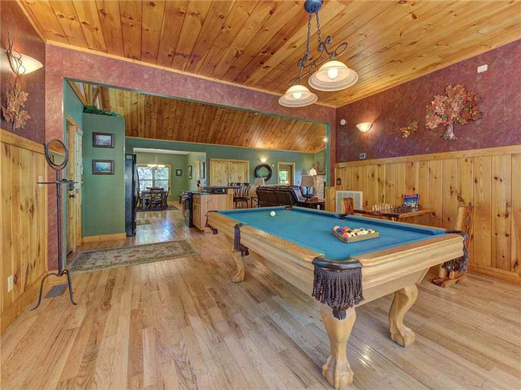 Photo of a Sevierville Cabin named Riversound Romance - This is the tenth photo in the set.