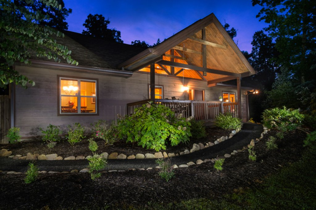 Photo of a Sevierville Cabin named Riversound Romance - This is the thirtieth photo in the set.