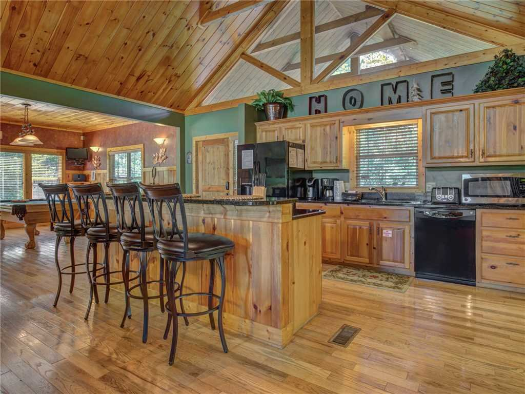 Photo of a Sevierville Cabin named Riversound Romance - This is the fifth photo in the set.