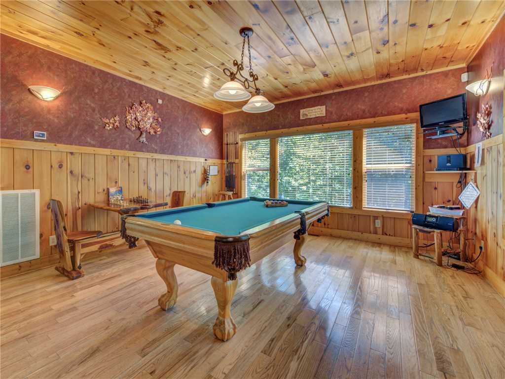 Photo of a Sevierville Cabin named Riversound Romance - This is the eleventh photo in the set.
