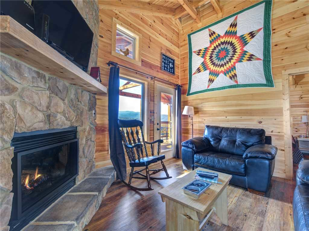 Photo of a Gatlinburg Cabin named Ever After 2 - This is the third photo in the set.