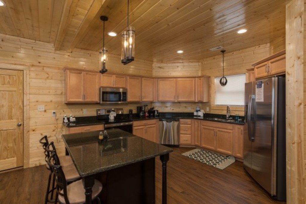 Photo of a Gatlinburg Cabin named Splash Mountain Lodge - This is the sixth photo in the set.