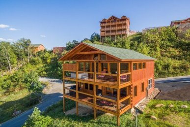 2 Bedroom, 2 Bath, Luxury Plus Property For 8 With Incredible Mountain Views.