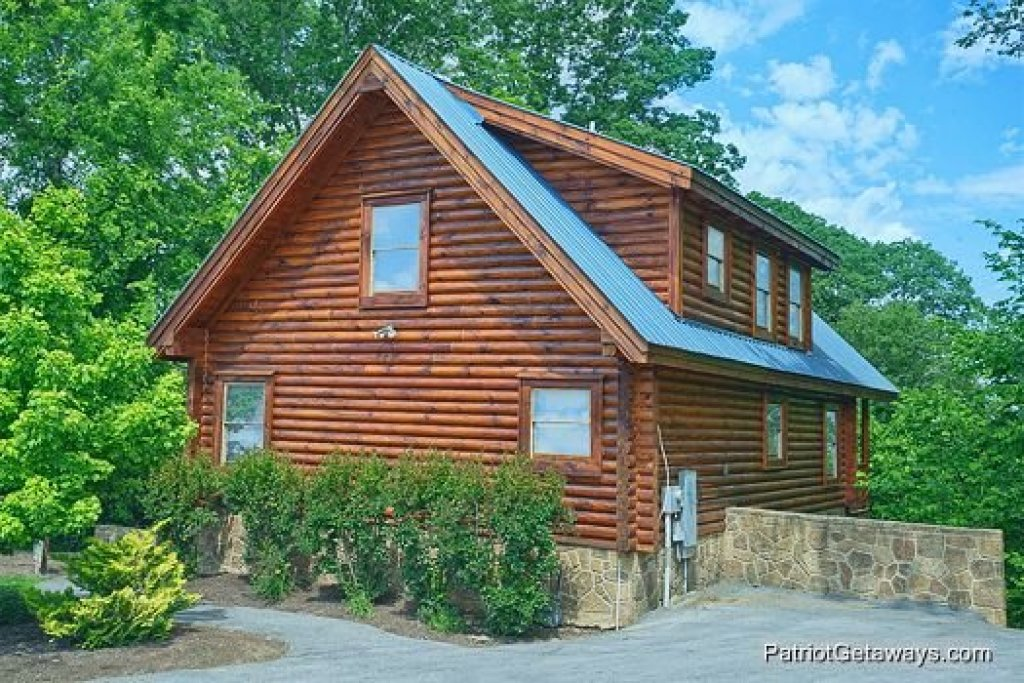 Photo of a Pigeon Forge Cabin named The Cowboy Way - This is the third photo in the set.