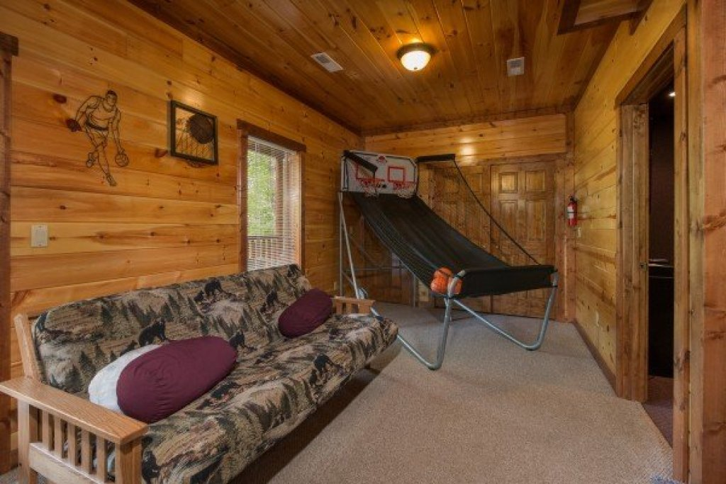 Photo of a Sevierville Cabin named Tennessee Treasure - This is the twentieth photo in the set.