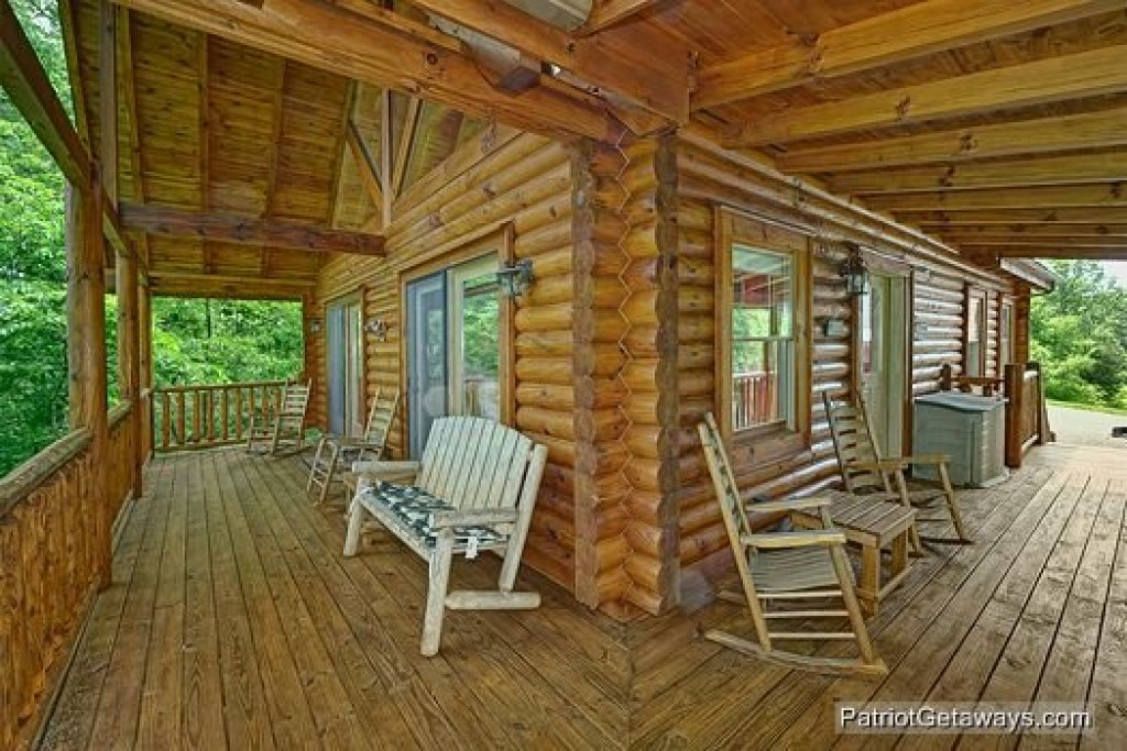Photo of a Pigeon Forge Cabin named The Cowboy Way - This is the second photo in the set.