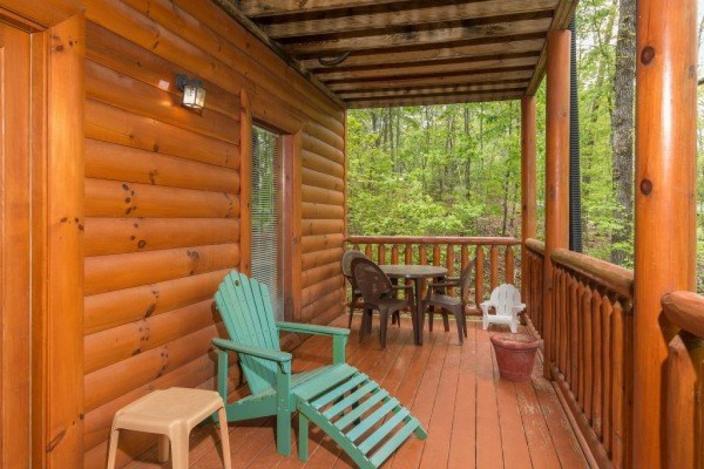 Photo of a Sevierville Cabin named Tennessee Treasure - This is the twenty-fifth photo in the set.