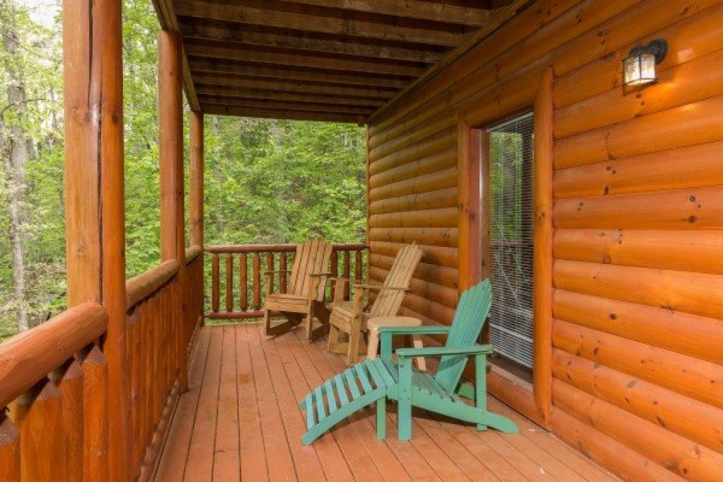 Photo of a Sevierville Cabin named Tennessee Treasure - This is the twenty-fourth photo in the set.