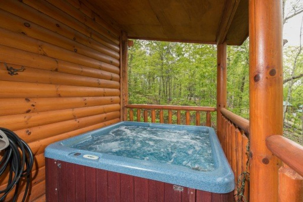Photo of a Sevierville Cabin named Tennessee Treasure - This is the thirteenth photo in the set.