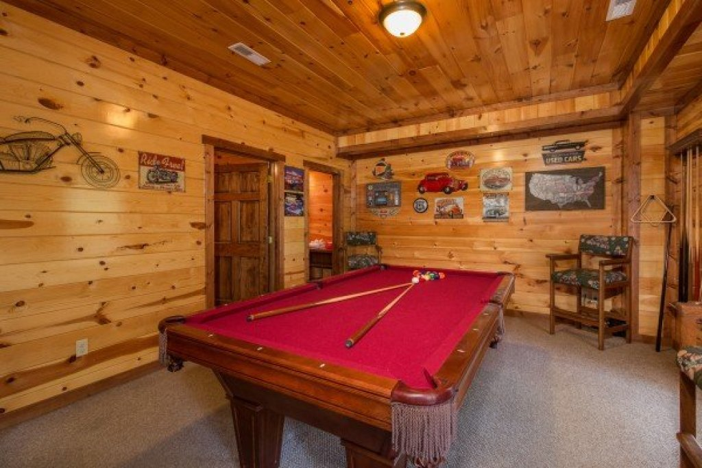 Photo of a Sevierville Cabin named Tennessee Treasure - This is the nineteenth photo in the set.