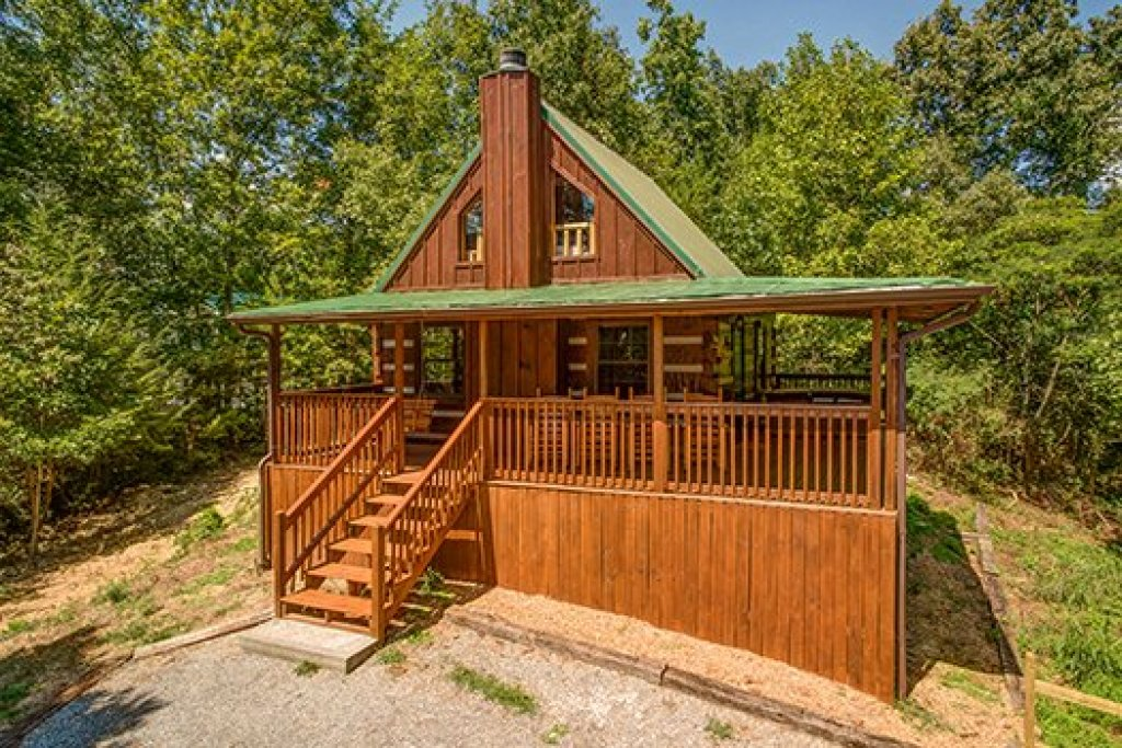 Photo of a Pigeon Forge Cabin named The Settlement - This is the thirty-seventh photo in the set.