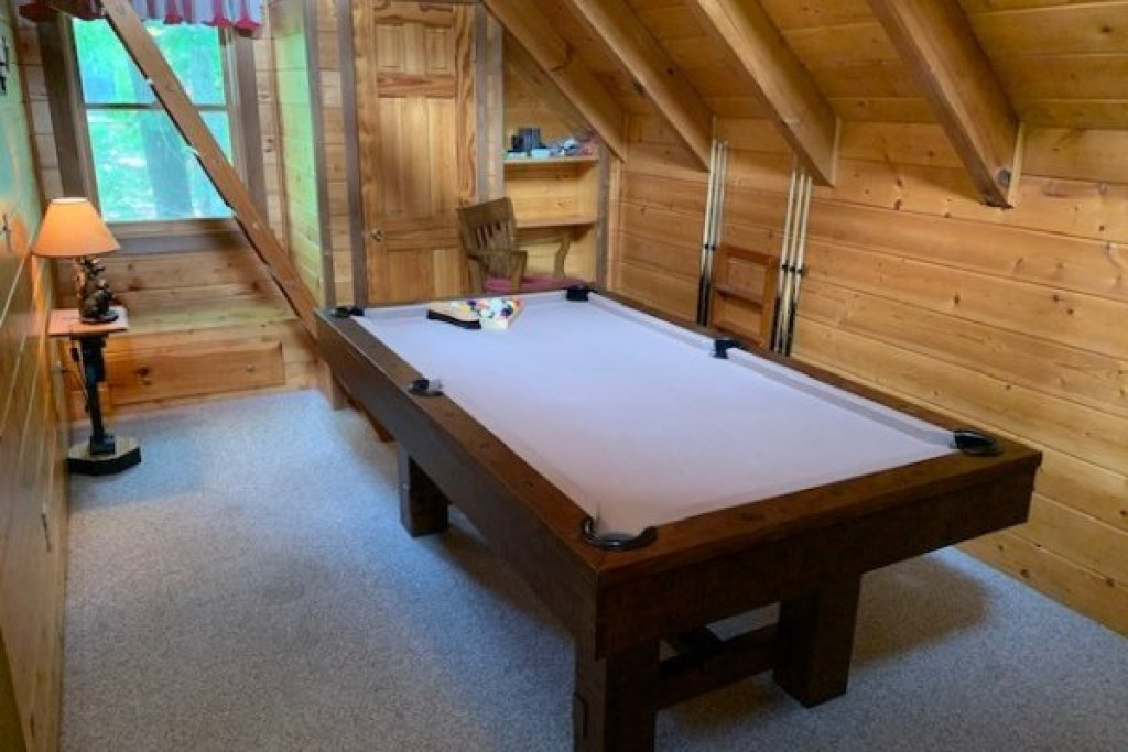 Photo of a Gatlinburg Cabin named Eagles View Lodge - This is the twentieth photo in the set.