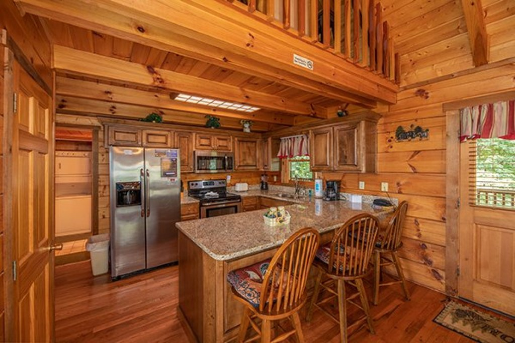 Photo of a Gatlinburg Cabin named Eagles View Lodge - This is the eighth photo in the set.