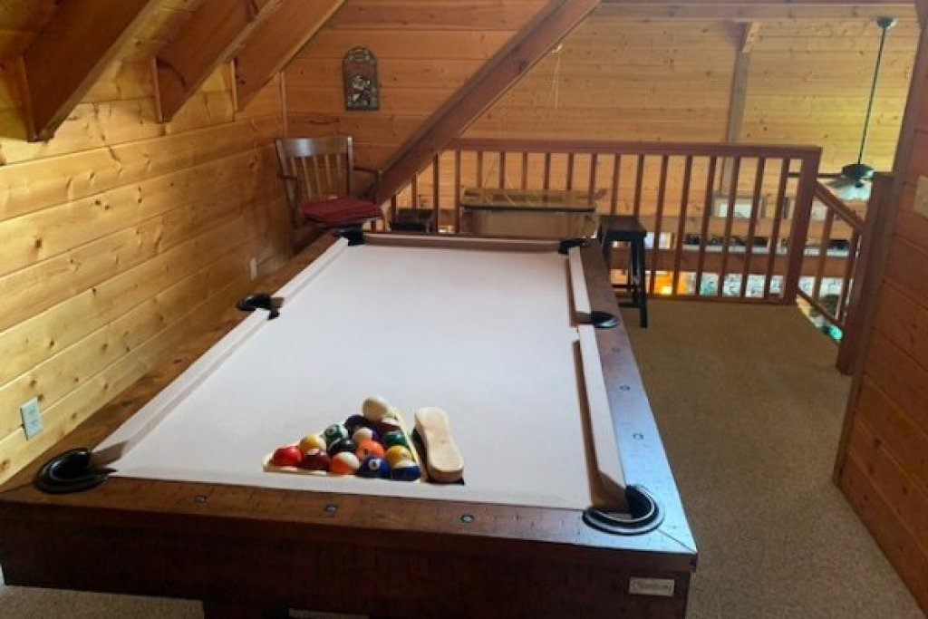 Photo of a Gatlinburg Cabin named Eagles View Lodge - This is the twenty-first photo in the set.