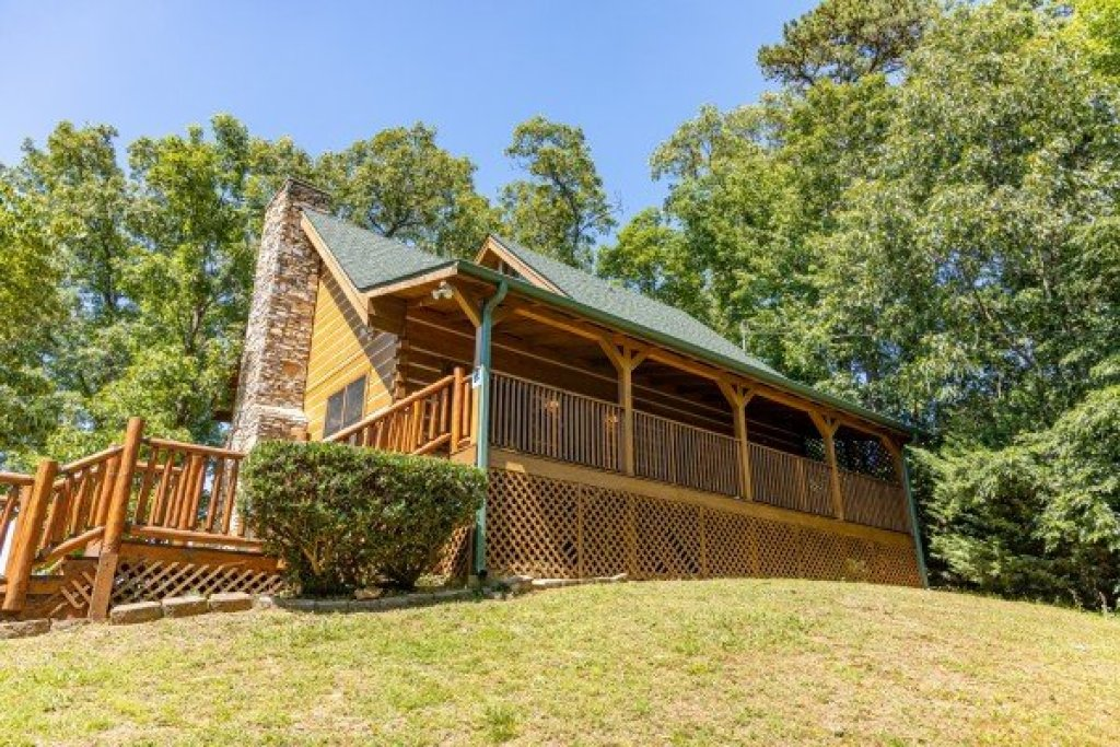 Photo of a Gatlinburg Cabin named Eagles View Lodge - This is the forty-third photo in the set.