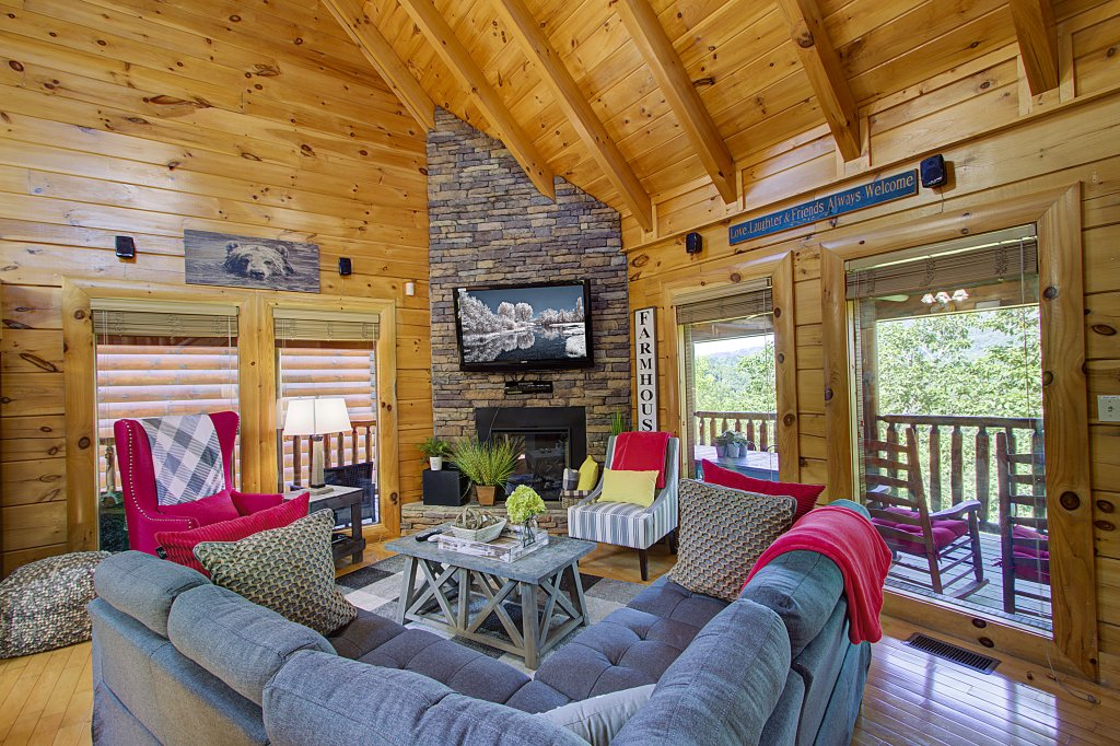 Photo of a Sevierville Cabin named Incredible Vibes & Views  #204 - This is the fifth photo in the set.
