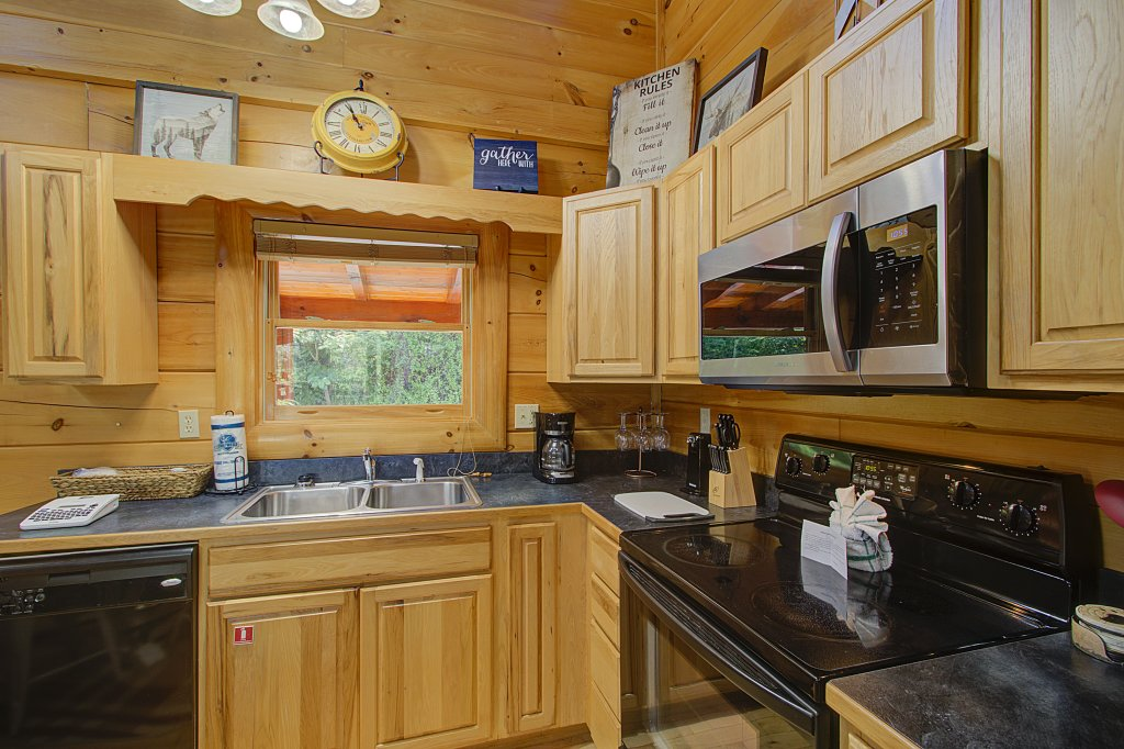 Photo of a Sevierville Cabin named Incredible Vibes & Views  #204 - This is the thirty-first photo in the set.