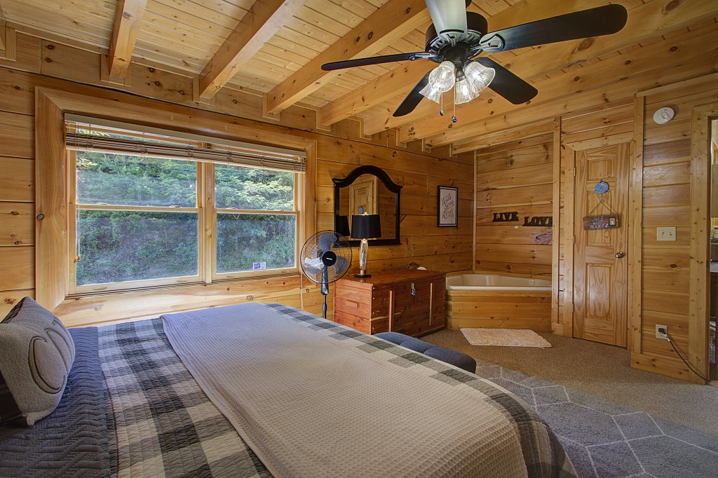 Photo of a Sevierville Cabin named Incredible Vibes & Views  #204 - This is the seventh photo in the set.