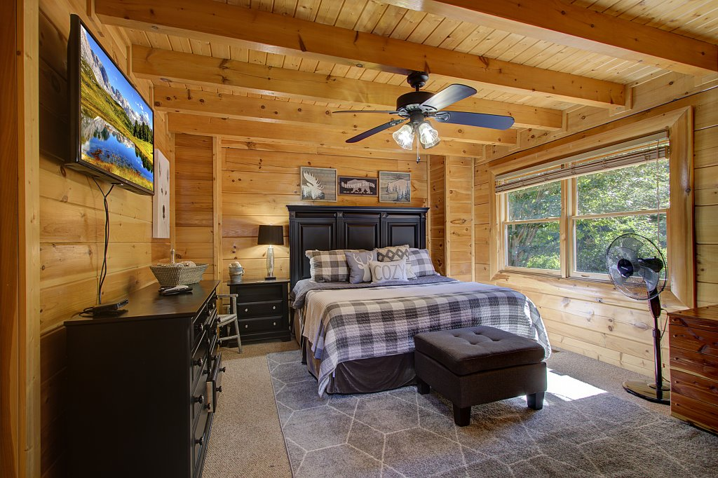 Photo of a Sevierville Cabin named Incredible Vibes & Views  #204 - This is the eighth photo in the set.