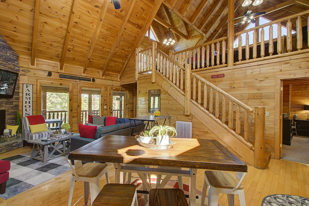 Photo of a Sevierville Cabin named Incredible Vibes & Views  #204 - This is the thirty-second photo in the set.