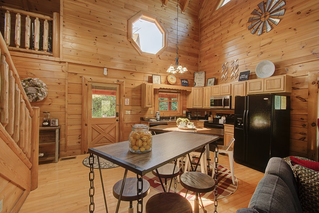 Photo of a Sevierville Cabin named Incredible Vibes & Views  #204 - This is the fifteenth photo in the set.