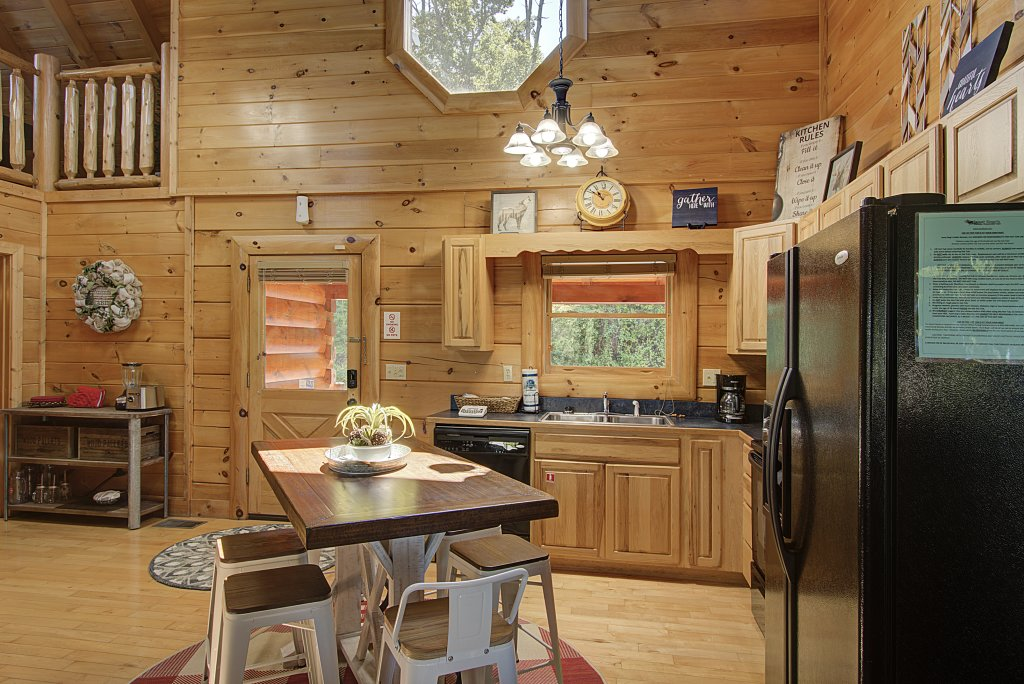 Photo of a Sevierville Cabin named Incredible Vibes & Views  #204 - This is the twentieth photo in the set.