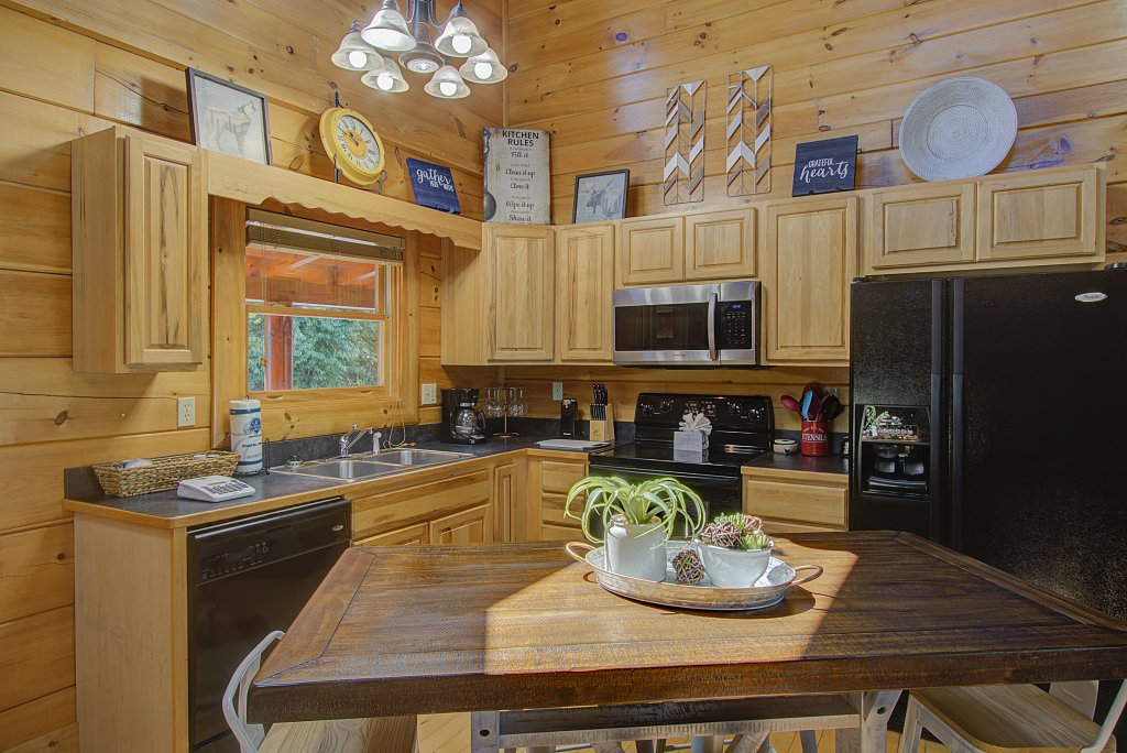 Photo of a Sevierville Cabin named Incredible Vibes & Views  #204 - This is the twenty-third photo in the set.