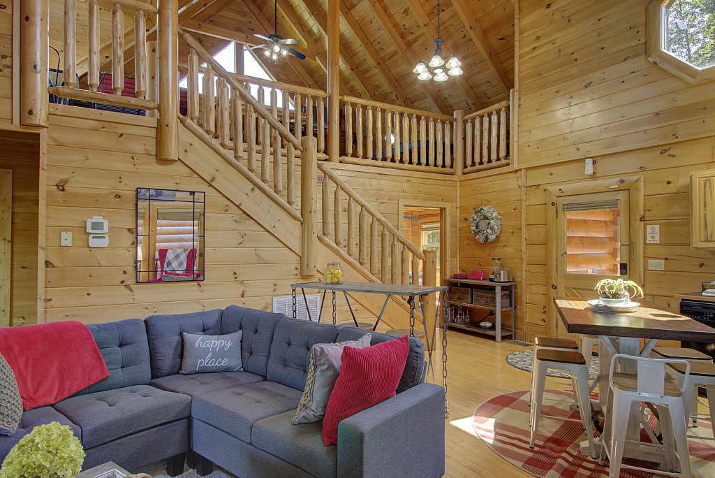 Photo of a Sevierville Cabin named Incredible Vibes & Views  #204 - This is the twenty-second photo in the set.