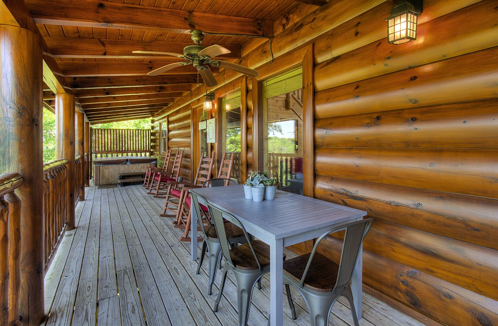 Photo of a Sevierville Cabin named Incredible Vibes & Views  #204 - This is the forty-fourth photo in the set.
