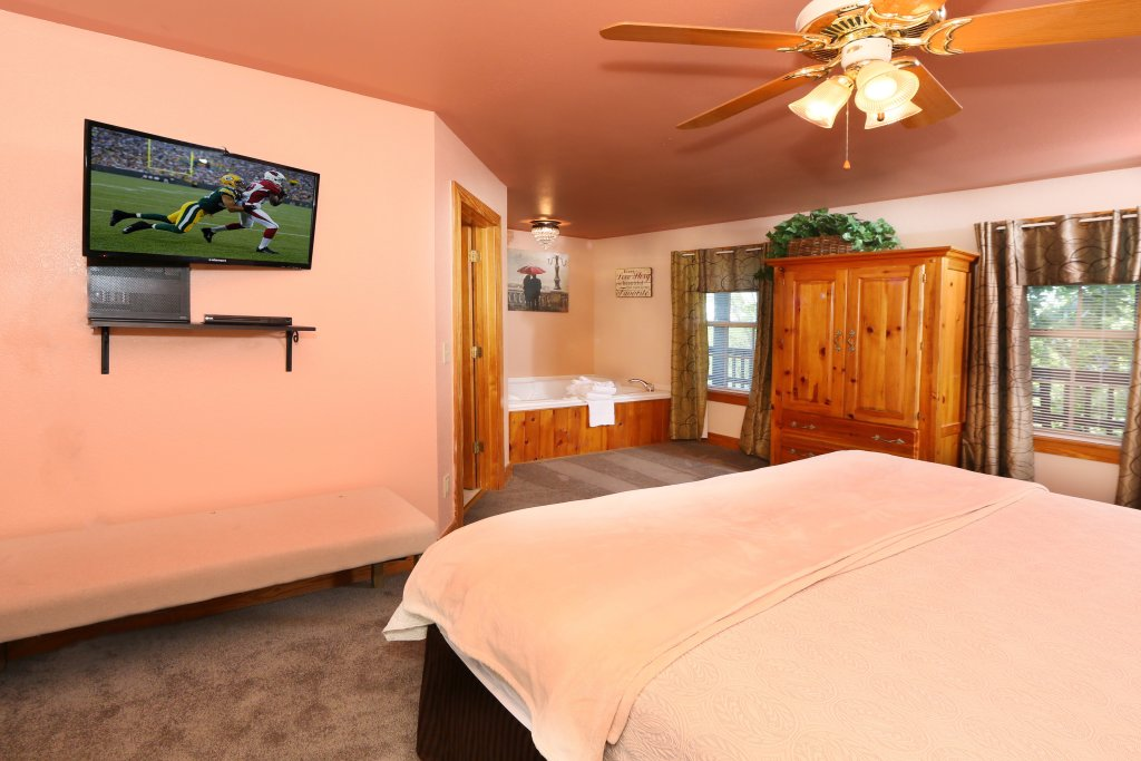 Photo of a Pigeon Forge Chalet named Pine Needles (#6) - This is the ninth photo in the set.