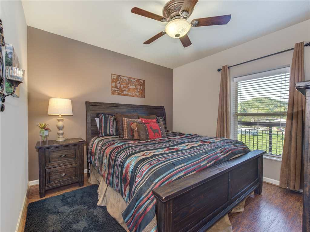 Photo of a Pigeon Forge Condo named Riverside Luxury Cedar Lodge 402 - This is the twelfth photo in the set.
