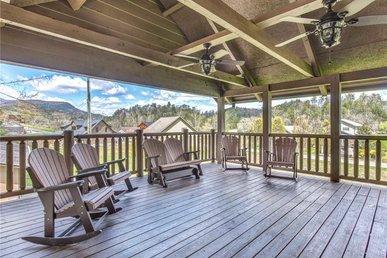 Waldens Creek Lodge, 4brs, Hot Tub, Game Room, Wifi, Sleeps 12
