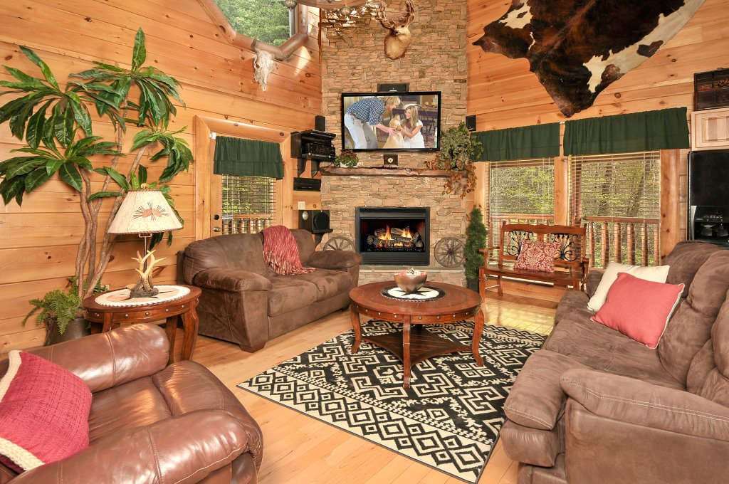 Photo of a Sevierville Cabin named Hakuna Matata - This is the first photo in the set.